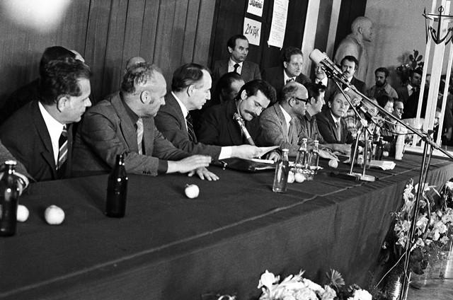 1-sala-bhp-w-stoczni-gdanskiej-podpisanie-porozumienia-stanislaw-skladanowski-2